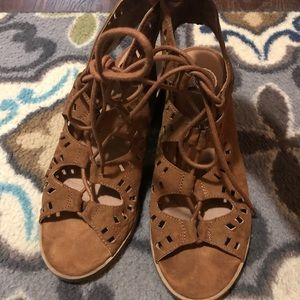 Authentic American Heritage/ Kohl's brown sandals.